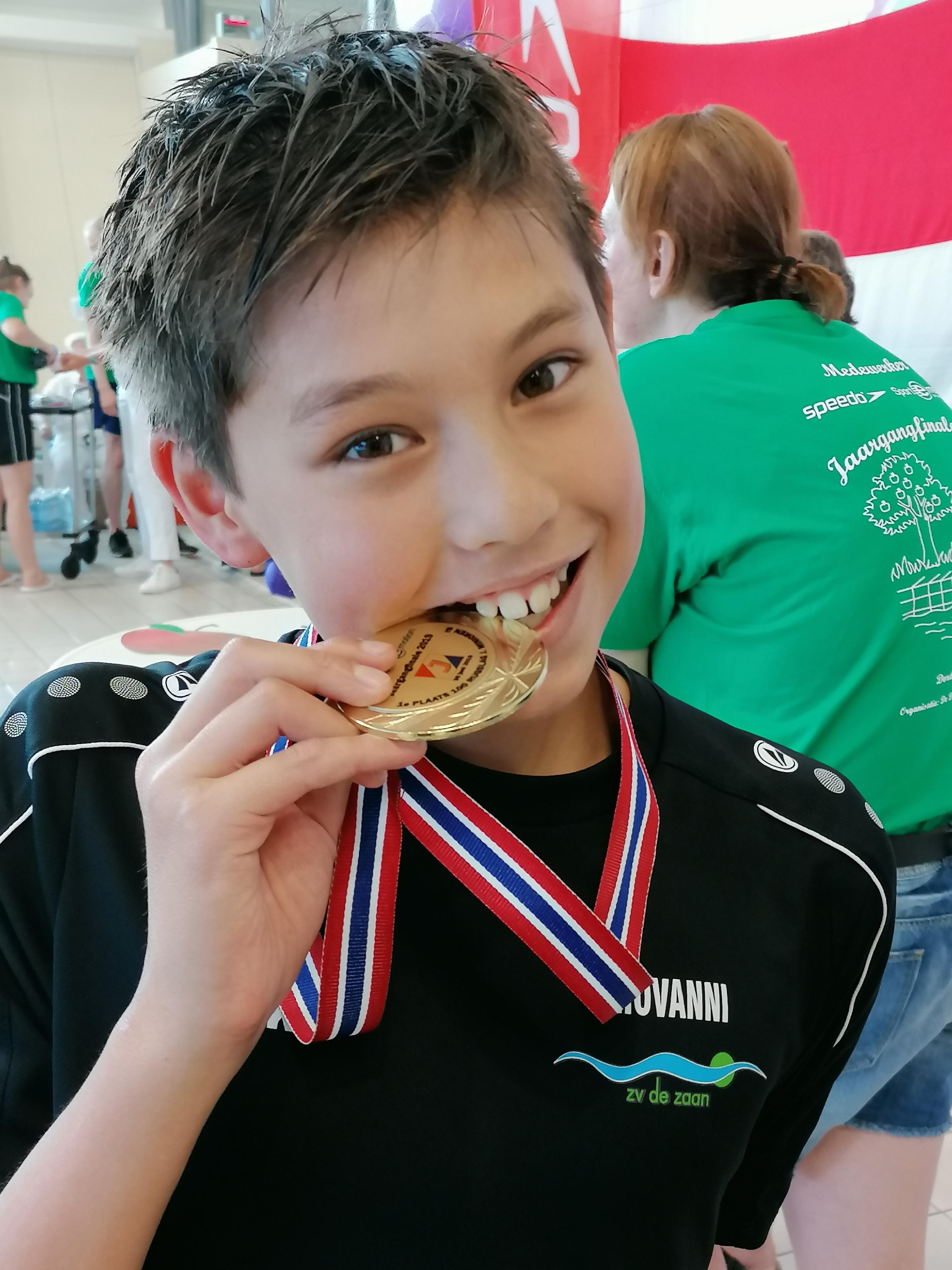 Giovanni Phillipson Nederlands kampioen 100mtr rugcrawl
